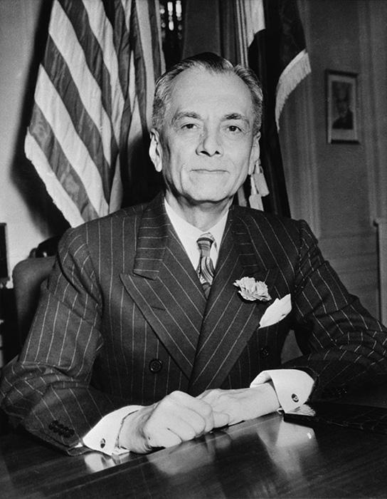 Manuel_L._Quezon_(November_1942).jpg