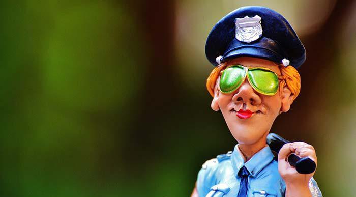 policewoman-985044_960_720.jpg