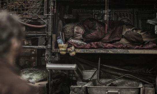 꼬리칸 비참한 노동자.jpg