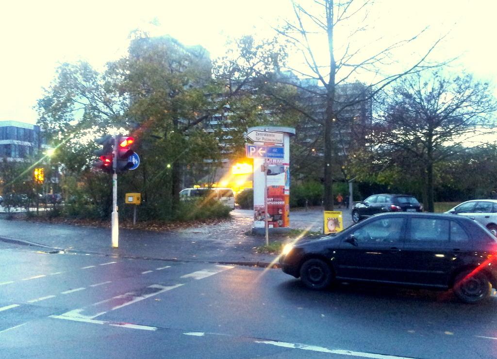 독일신호등과차량거리2.jpg