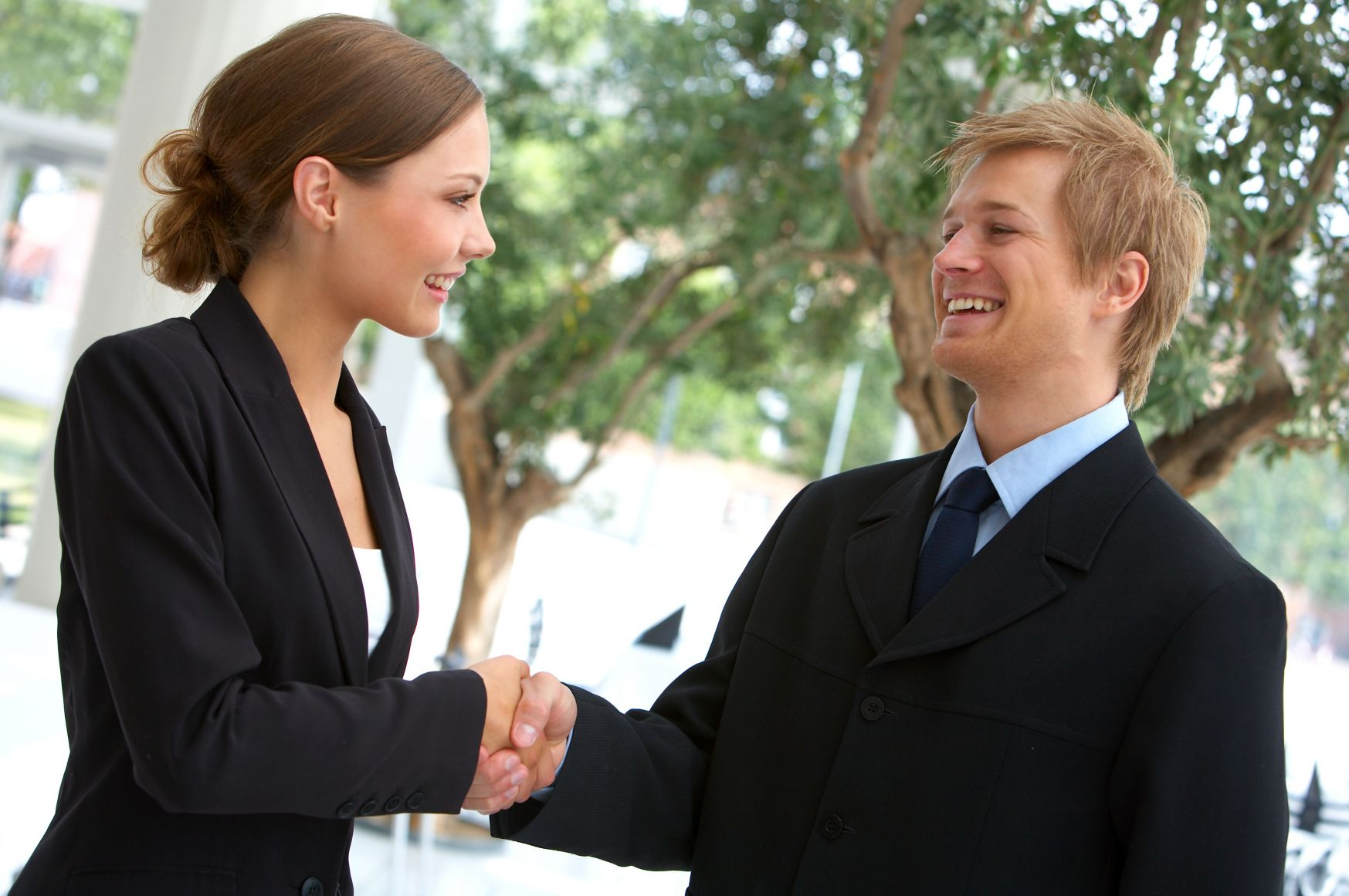 man_and_woman_shaking_hands.jpg