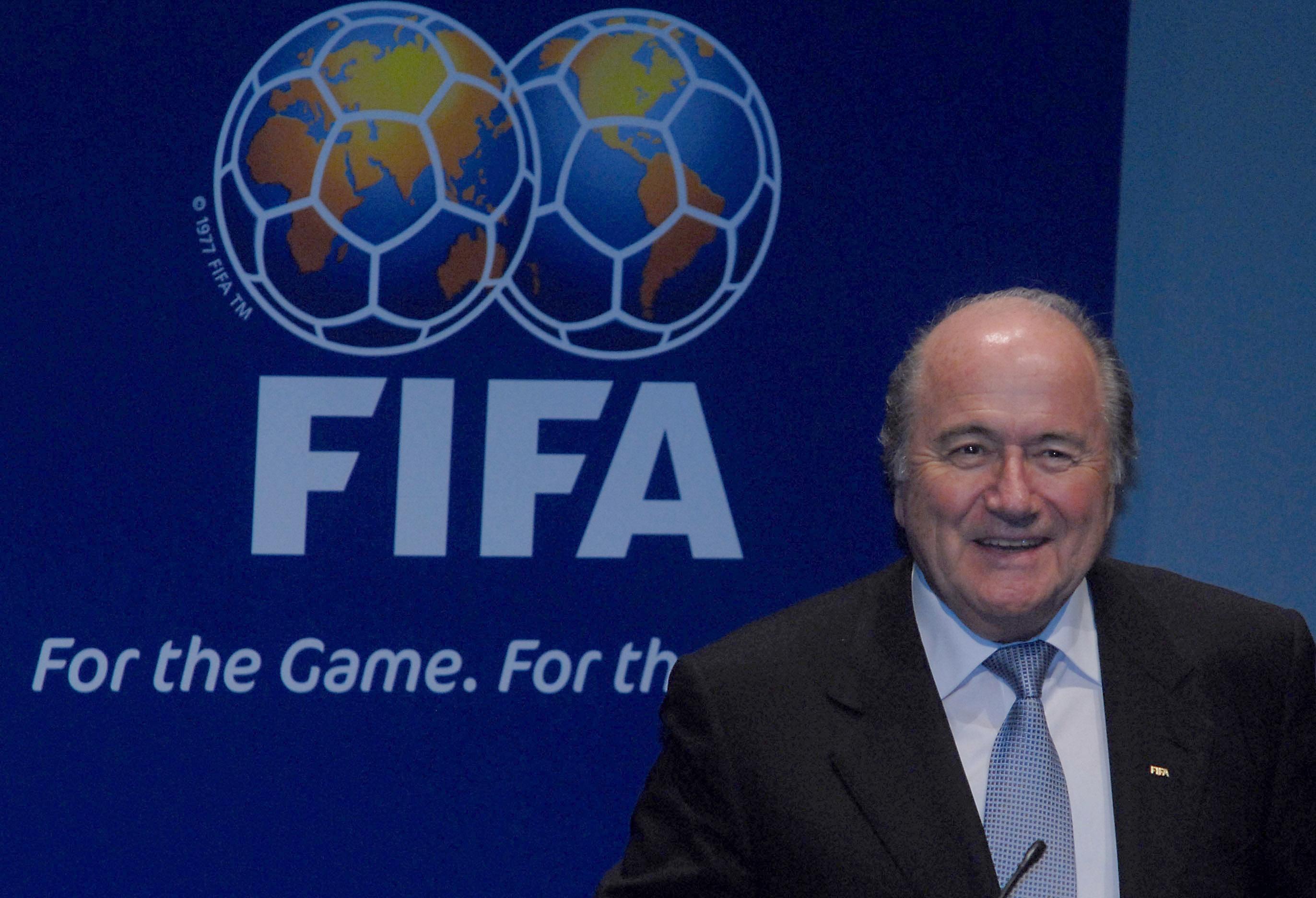 sepp_blatter_at_announcement_of_brazil_as_2014_fifa_world_cup_host_2007-10-30_11.jpg