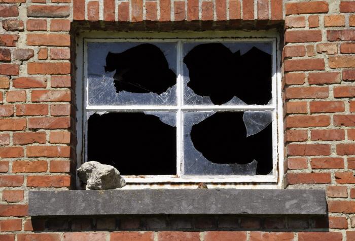크기변환_Broken-Window.jpg