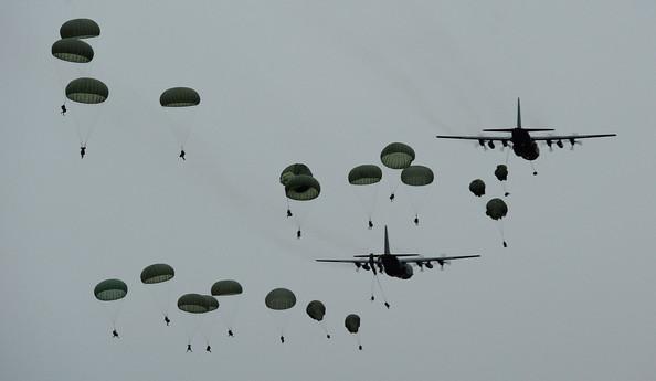 Australian+Airborne+Combat+Team+Conduct+Parachute+lNy2kCsS6Kbl.jpg