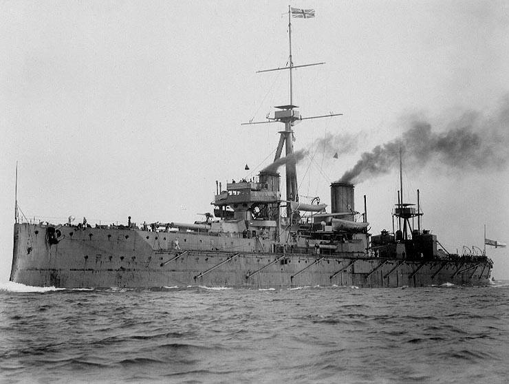 HMS_Dreadnought_1906_H61017.jpg