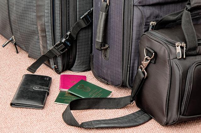 suitcase-841200_640.jpg