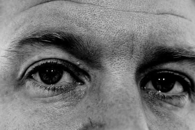 eyes-886415_640.jpg