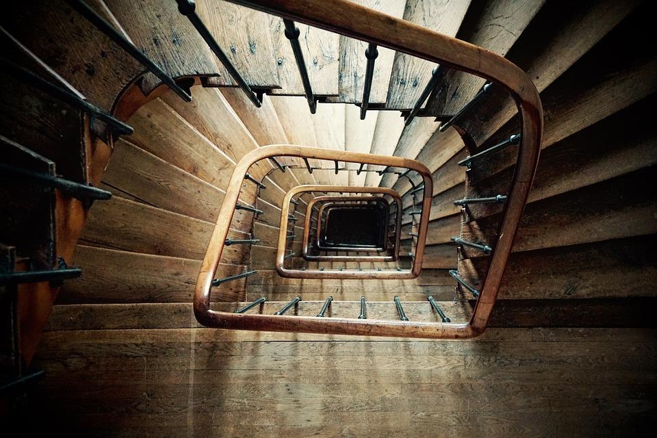 spiral-staircase-852699_960_720.jpg