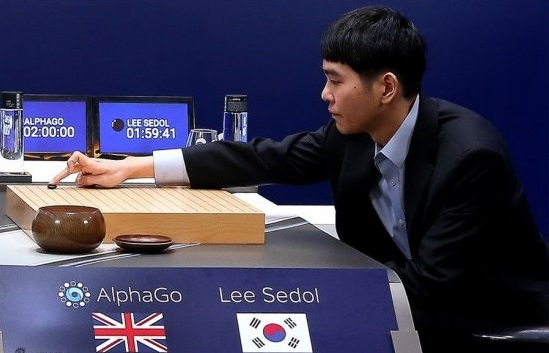 AlphaGo-Lee-Sedol-first-move-550x369.jpg