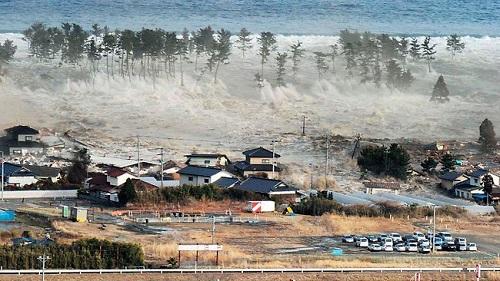 japan-tsunami.jpg