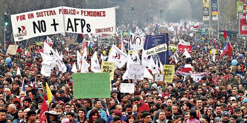 칠레 연금개혁시위.jpg