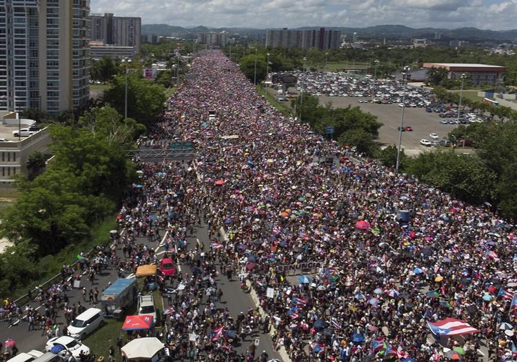 칠레 시위1.jpg