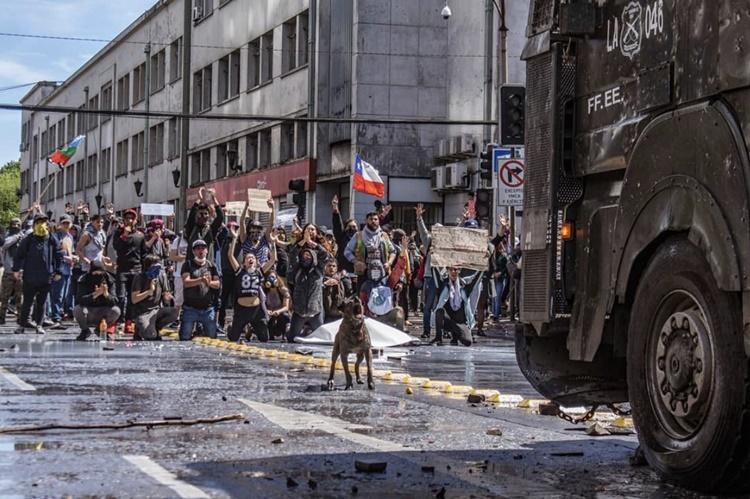 칠레 시위2.jpg
