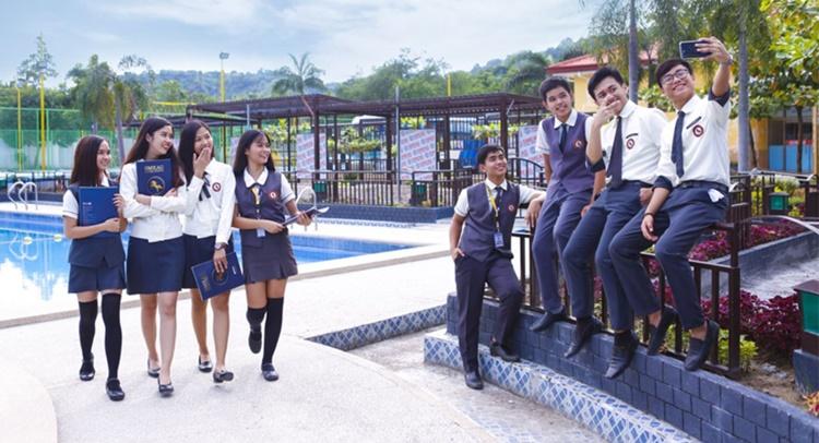 필리핀 국제학교 포스터.JPG
