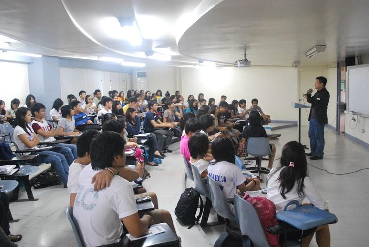 필리핀 대학수업.jpg